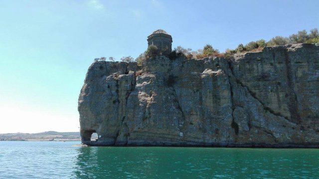 Isola-Bisentina-la-Rocchina