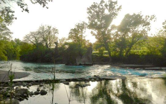 Torgiano vista dal Tevere: il fiume Chiascio