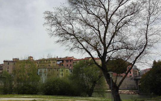 Umbertide vista dal Tevere: la città tra due fiumi