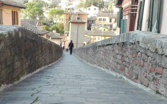 Camminare sull'Acquedotto di Perugia