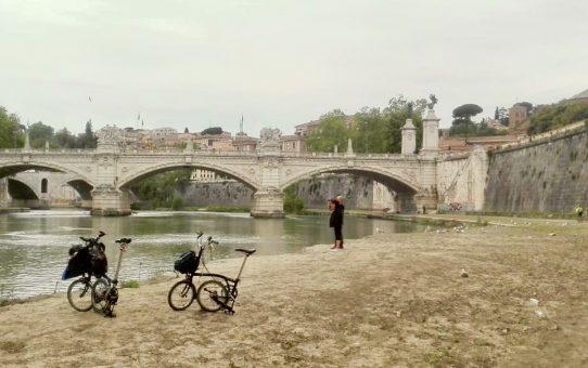 Roma vista dal Tevere. Il Tevere guardato da Roma